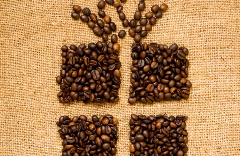 Tre idee regalo con il caffè per augurare un Buon Natale con Caffebrasilena